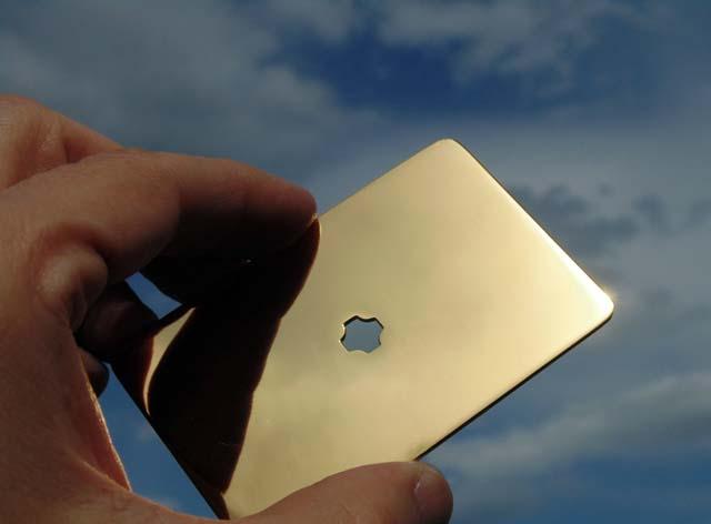 Tachyonic gold tahjon ploca